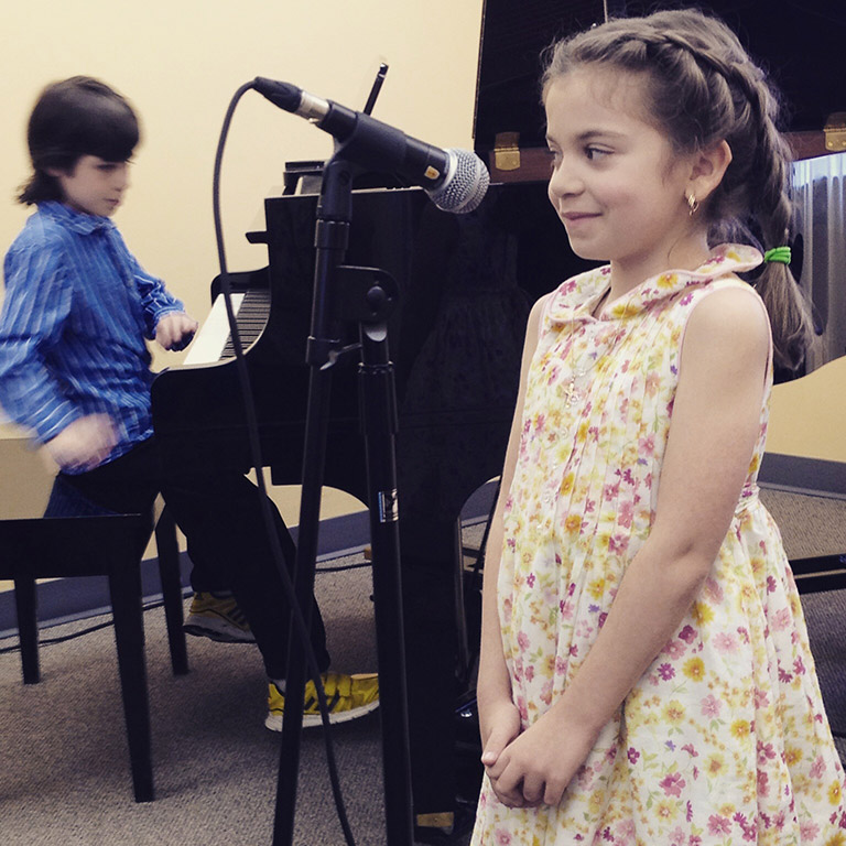 Voice lessons and classes for kids