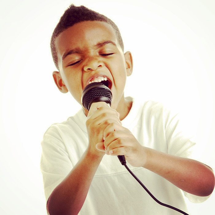 Group singing and voice lessons for kids
